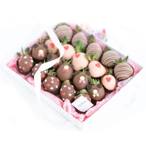 Набор клубники в шоколаде: Ми-ми-мишки