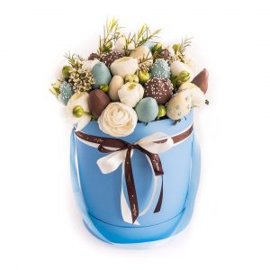 Шляпная коробка: голубая с ранункулюсами BlueForest