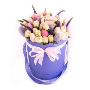 Шляпная коробка: синяя с кустовыми розочками Persian Love
