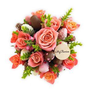 """Шляпная коробка: розовая с коралловыми розами """"Coral Sunshine"""""""