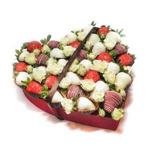 Сердце: красное большое с белыми розочками