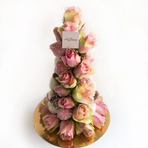 Башня из клубники и роз: Pinky