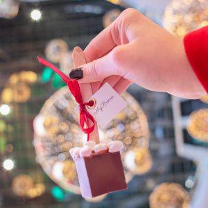 Шоколожка: Молочный шоколад с мини маршмэллоу⠀