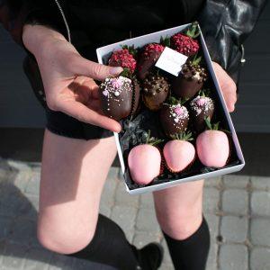 Набор клубники в шоколаде: Victoria